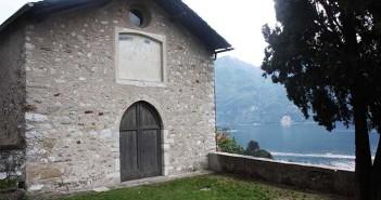 Tra spiritualità e arte: alla Torre Viscontea fotografie e tavole descrittive raccontano il Romanico lariano