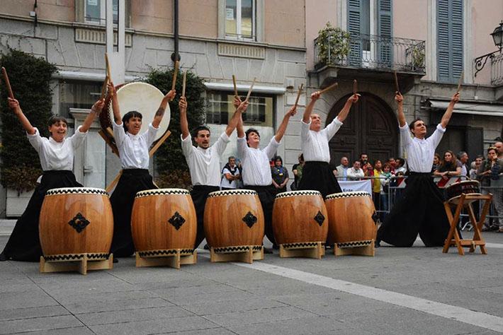 Taiko in concerto in Piazza XX Settembre, a Lecco