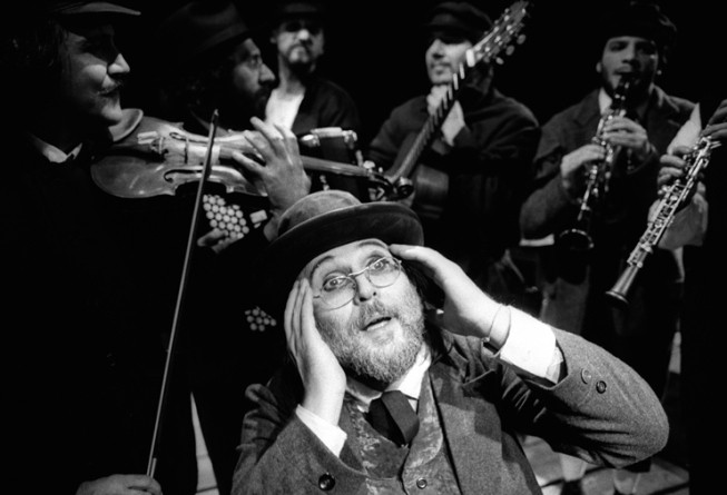 """Moni Ovadia in """"Cabaret Yiddish"""""""