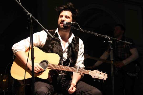 Il cantautore piacentino Daniele Ronda