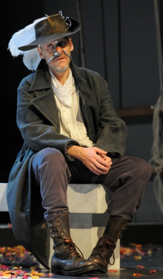 "Jurij Ferrini in ""Cyrano"""