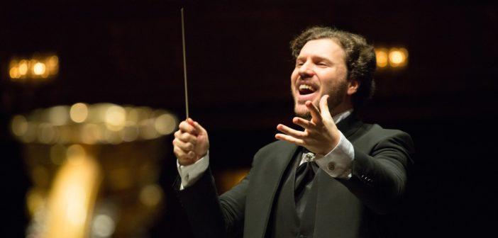 Stanislav Kochanovsky dirige l'Orchestra Sinfonica Giuseppe Verdi di Milano nella Quinta Sinfonia di Čajkovskij. Appuntamento online